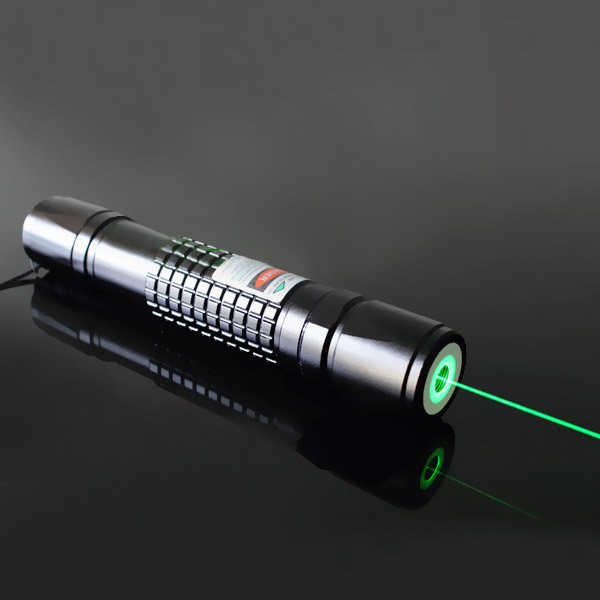 100mW laser pointer with auto-lock